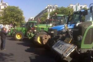 Traktorima će blokirati Pariz?