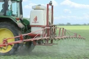 Ilinčić: U Srbiji se 70 odsto hrane prska pesticidima
