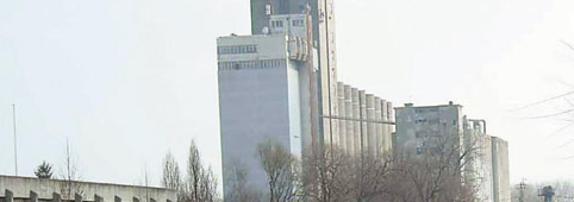 Arapi grade i silos za pšenicu
