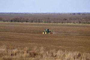 Neobrađeno više od 600.000 ha oranica