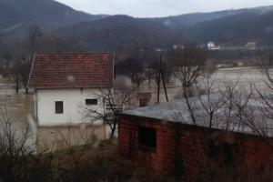Pomoć po poplavljenom hektaru 12.000 dinara