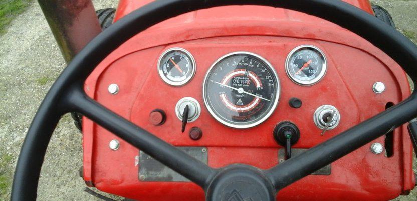 Nepovoljni uslovi konkursa za nabavku traktora