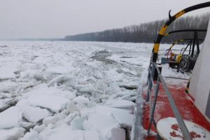 Ledolomci razbijaju led