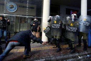 Sukobi poljoprivrednika i policije u Atini