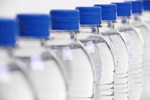 EU proteruje flaširanu vodu