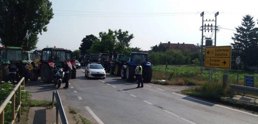 Traktori izašli na drumove u Banatu, Somboru, Malom Crniću