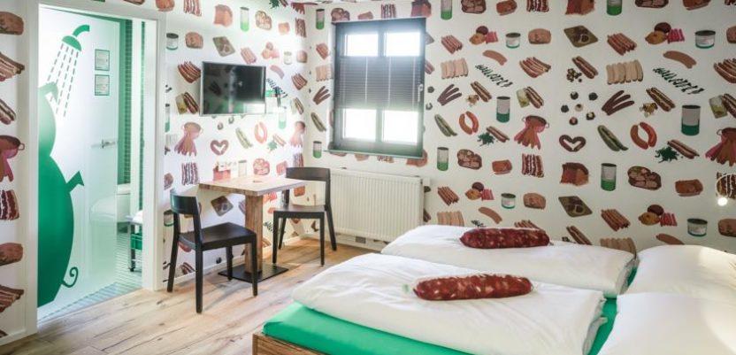 Bavarac otvorio hotel u znaku kobasice