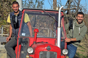 Gradski momci na traktoru