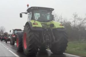 Vojvođanski traktori krenuli ka Beogradu