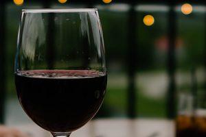Kada je vreme za prvo pretakanje vina?
