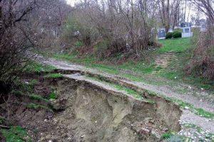 Zemljište u Srbiji ugroženo zagađenjima, erozijom i klizištima